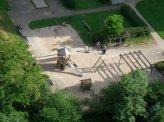 pix062005_spielplatz_feu.jpg